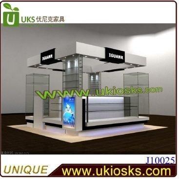 Jewelry kiosk