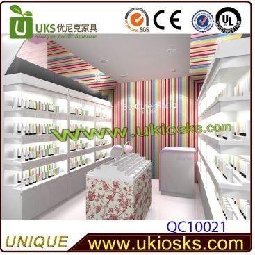 Cosmetic Kiosk & Makeup